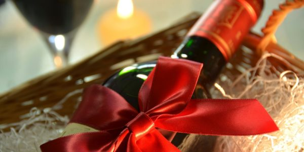Wine gift hampers for christmas